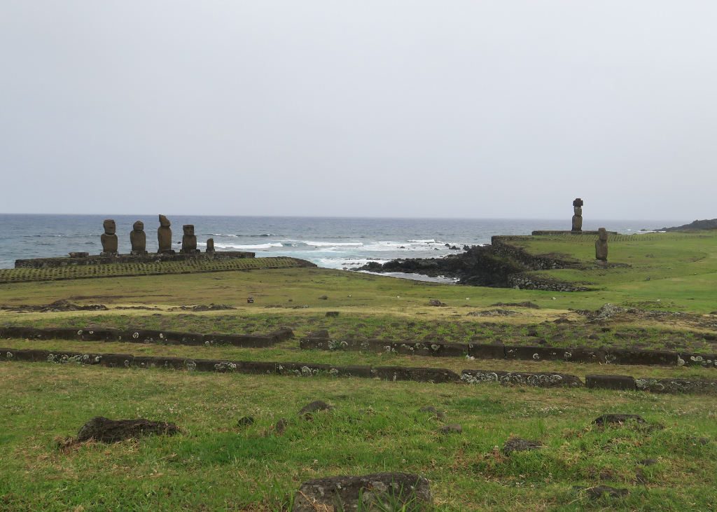 Ahu Tahai, Oldest Moai, Easter Island, Rapa Nui, Hanga Roa, Isla de Pascua, Chile, South America
